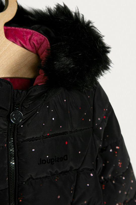 Desigual - Dětská bunda 104-164 cm  Materiál č. 1: 100% Polyester Materiál č. 2: 39% Akryl, 45% Modacryl, 16% Polyester Pokyny k praní a údržbě:  neprat chemicky, prát v pračce při teplotě 30 stupňů, nelze sušit v sušičce, nebělit, žehlit na nízkou teplotu