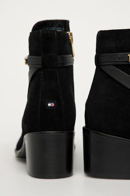 Tommy Hilfiger - Semišové boty  Svršek: Semišová kůže Vnitřek: Textilní materiál, Přírodní kůže Podrážka: Umělá hmota