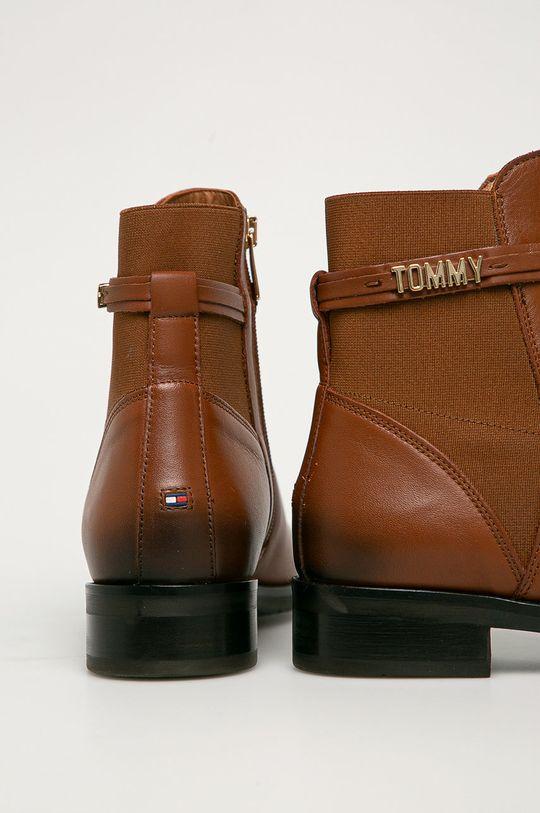Tommy Hilfiger - Topánky Chelsea  Zvršok: Syntetická látka, Prírodná koža Vnútro: Textil, Prírodná koža Podrážka: Syntetická látka