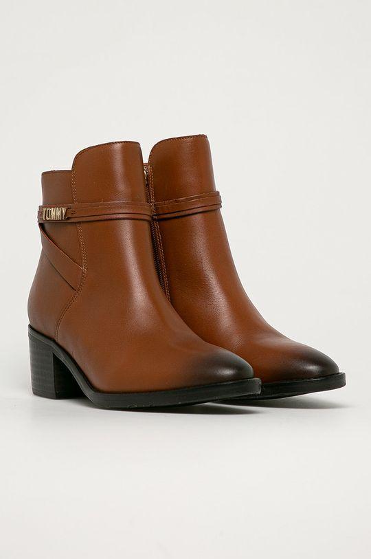 Tommy Hilfiger - Kožené členkové topánky hnedá