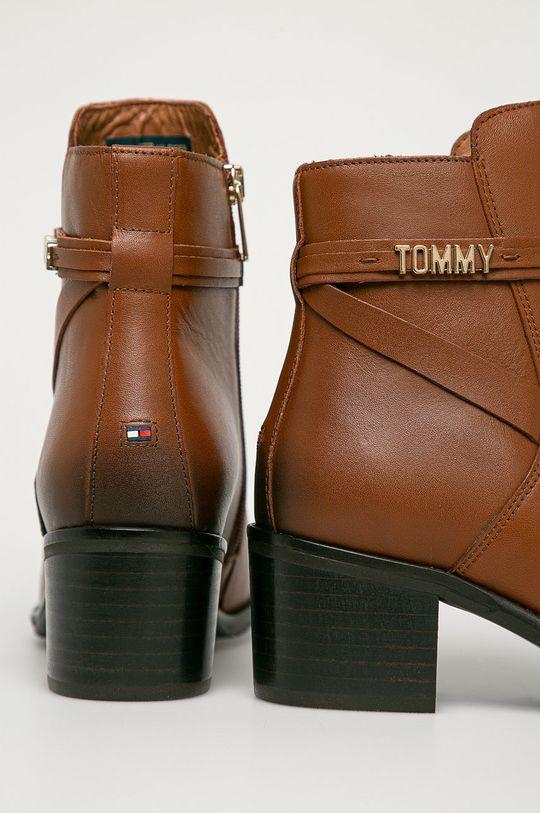 Tommy Hilfiger - Kožené členkové topánky  Zvršok: Prírodná koža Vnútro: Textil, Prírodná koža Podrážka: Syntetická látka
