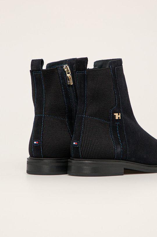 Tommy Hilfiger - Semišové topánky  Zvršok: Textil, Semišová koža Vnútro: Textil, Prírodná koža Podrážka: Syntetická látka