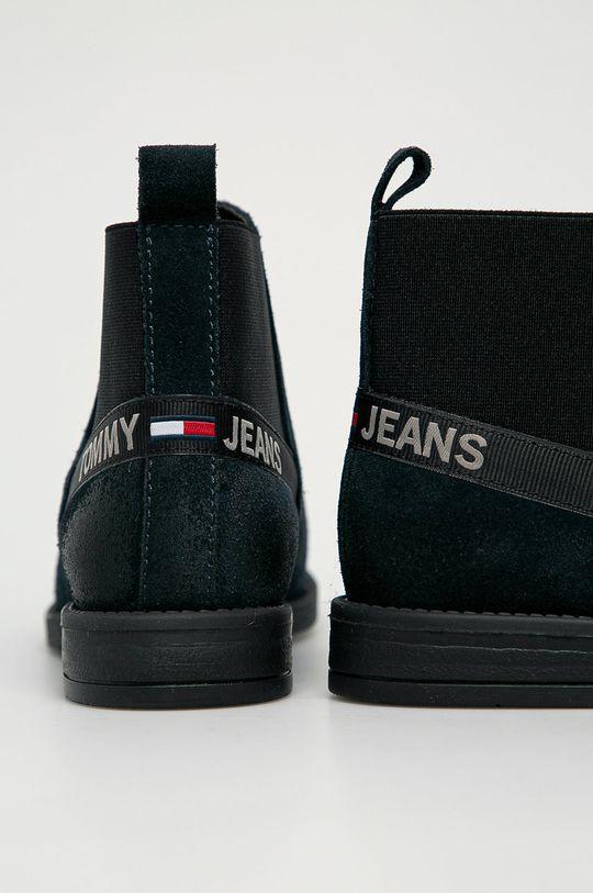 Tommy Jeans - Semišové topánky  Zvršok: Semišová koža Vnútro: Textil, Prírodná koža Podrážka: Syntetická látka