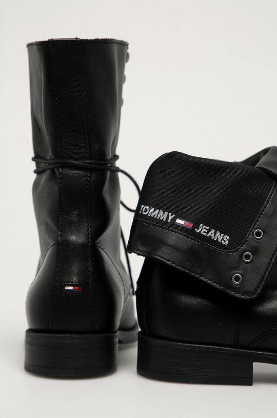 Tommy Jeans - Кожени боти  Горна част: Естествена кожа Вътрешна част: Текстилен материал Подметка: Синтетичен материал
