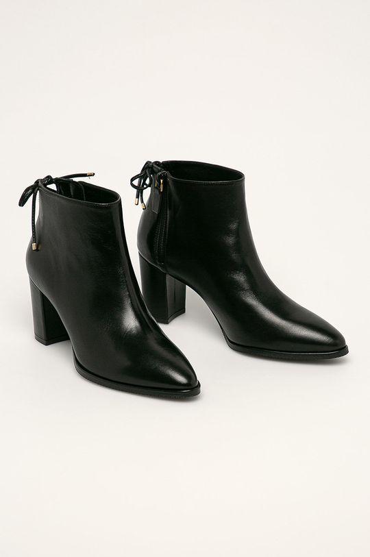 Stuart Weitzman - Kožené členkové topánky Gardiner čierna