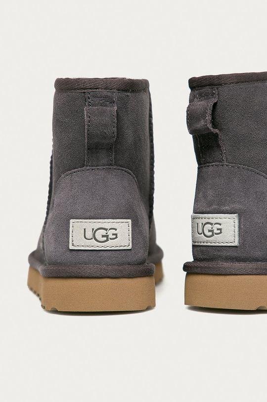 UGG - Cizme de iarna Classic Mini II  Gamba: Piele intoarsa Interiorul: Lana Talpa: Material sintetic