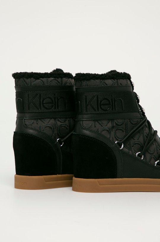 Calvin Klein - Nízké kozačky  Svršek: Textilní materiál, Přírodní kůže Vnitřek: Umělá hmota, Textilní materiál Podrážka: Umělá hmota
