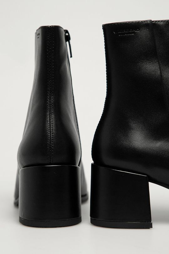 Vagabond - Kožené členkové topánky Stina  Zvršok: Prírodná koža Vnútro: Textil, Prírodná koža Podrážka: Syntetická látka