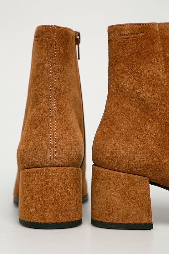 Vagabond - Kožené kotníkové boty Stina  Svršek: Semišová kůže Vnitřek: Textilní materiál, Přírodní kůže Podrážka: Umělá hmota