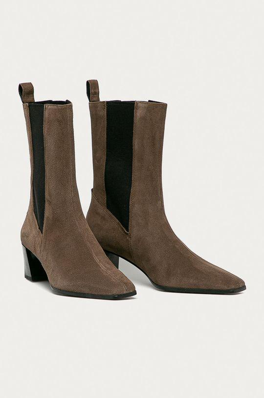 Vagabond - Semišové topánky Chelsea Gabi hnedá