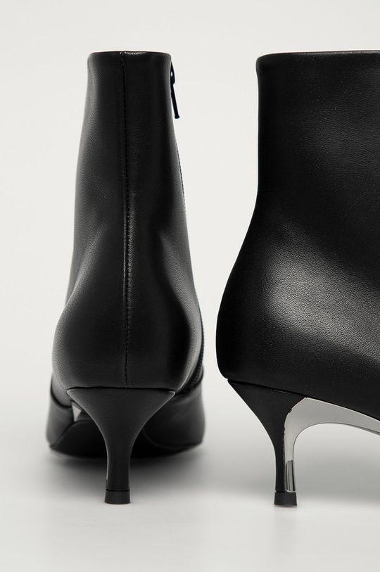 Furla - Kožené členkové topánky Code  Zvršok: Prírodná koža Vnútro: Syntetická látka, Prírodná koža Podrážka: Syntetická látka