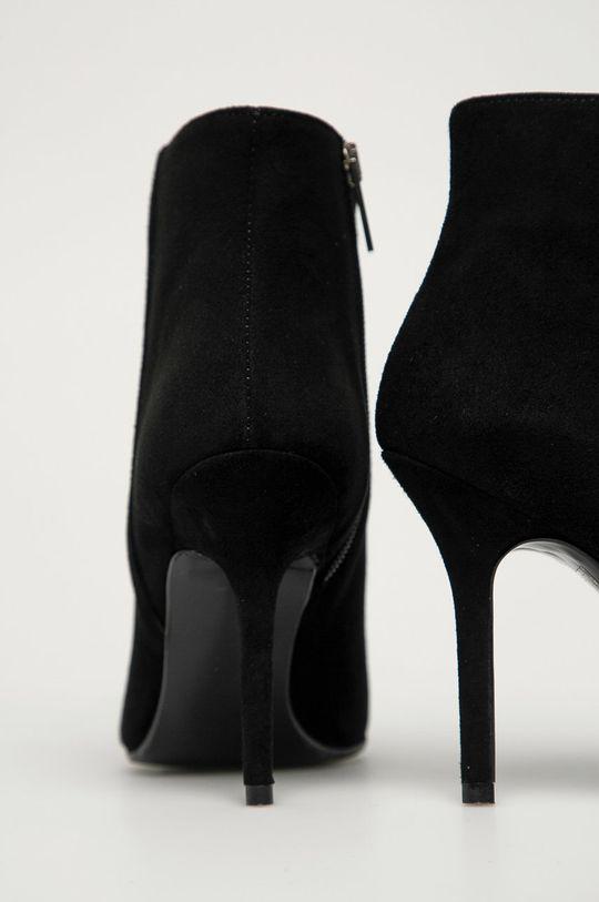 Karl Lagerfeld - Кожаные полусапоги  Голенище: Замша Внутренняя часть: Синтетический материал, Натуральная кожа Подошва: Синтетический материал