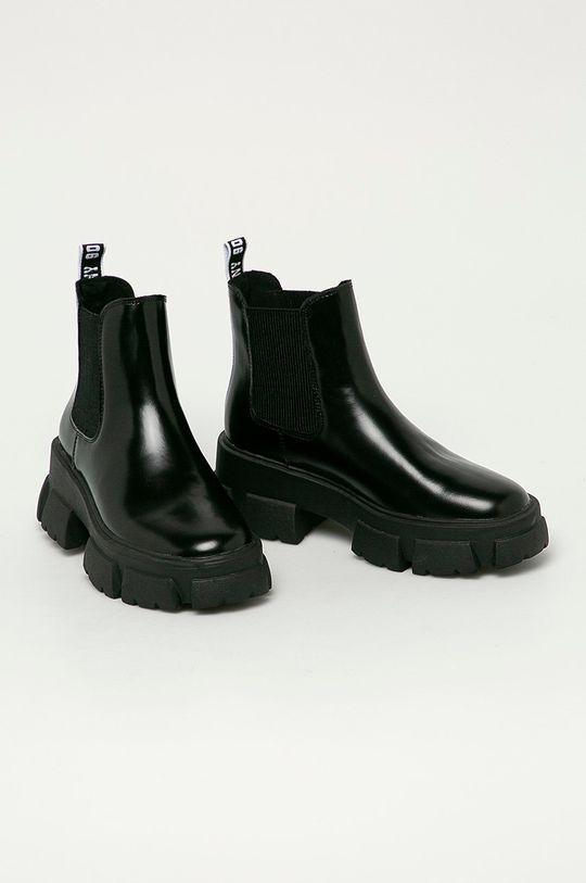 Steve Madden - Kožené kotníkové boty Tusk černá