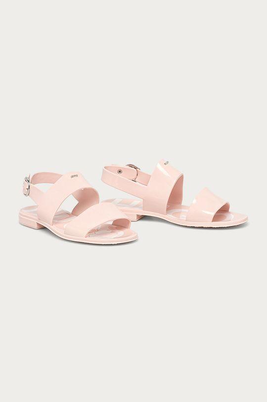 Hugo - Sandály pastelově růžová