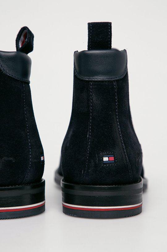 Tommy Hilfiger - Semišové topánky Chelsea  Zvršok: Semišová koža Vnútro: Prírodná koža Podrážka: Syntetická látka