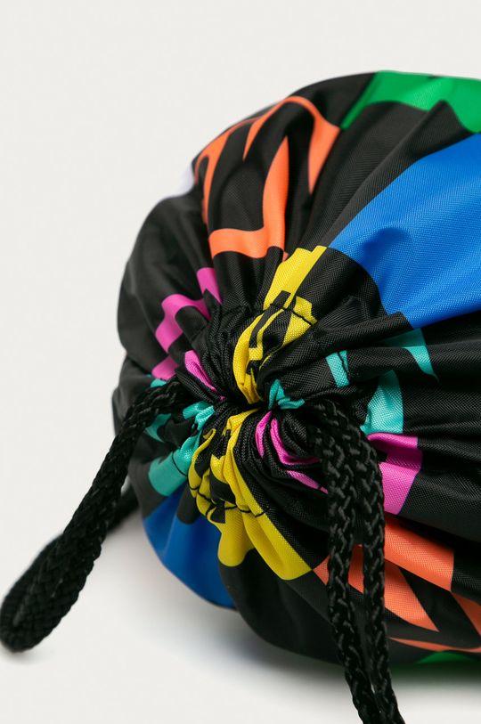 vícebarevná Vans - Batoh x Moma