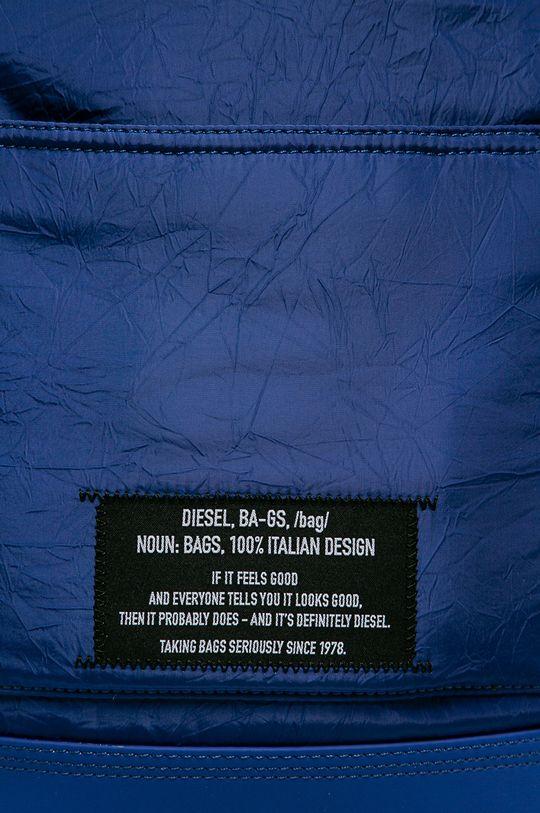 Diesel - Batoh  Hlavní materiál: 80% Polyester, 20% Polyuretan