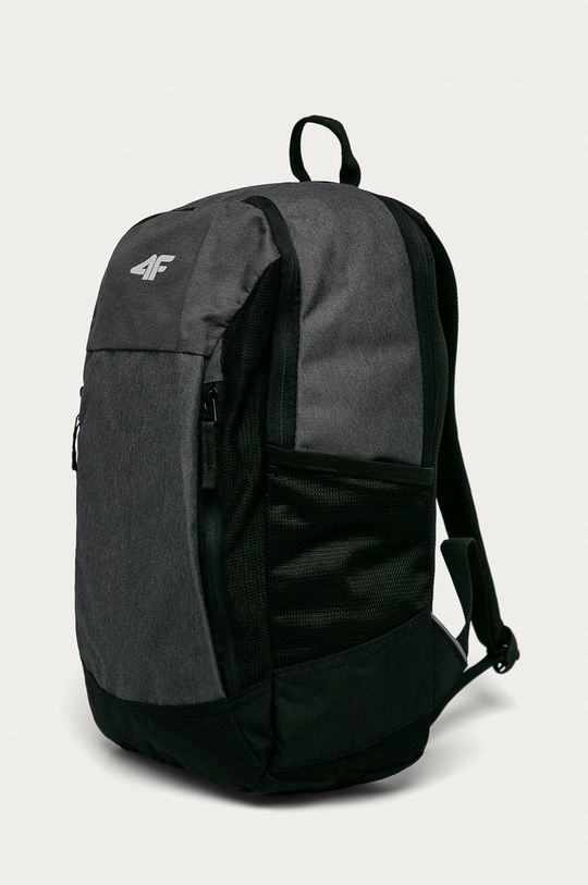 4F - Batoh černá