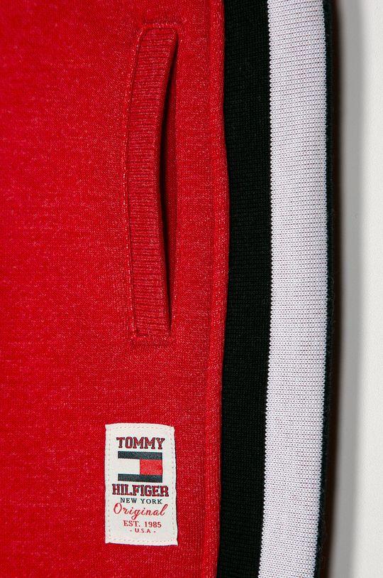 Tommy Hilfiger - Dětské kalhoty 98-176 cm  Hlavní materiál: 70% Bavlna, 30% Polyester Stahovák: 68% Bavlna, 5% Elastan, 27% Polyester