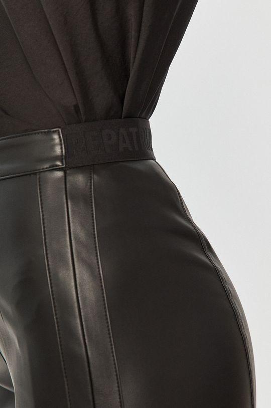 černá Patrizia Pepe - Kalhoty
