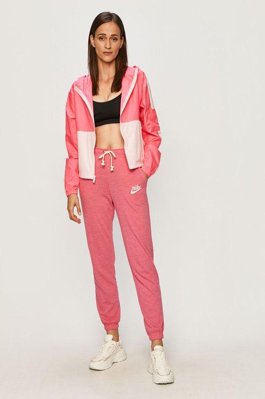 Nike Sportswear - Nohavice sýto ružová