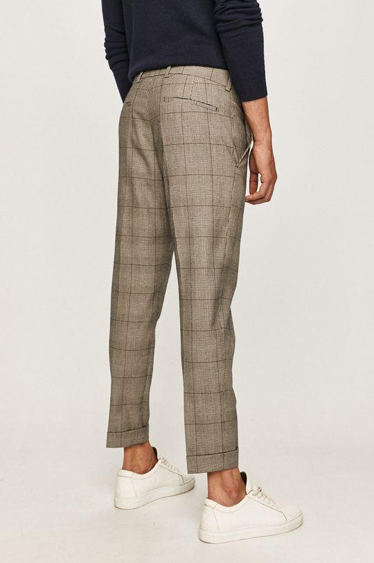 Strellson - Pantaloni  Captuseala: 45% Poliester , 55% Viscoza Materialul de baza: 42% Bumbac, 58% Lana virgina Material 1: 50% Bumbac, 50% Poliester