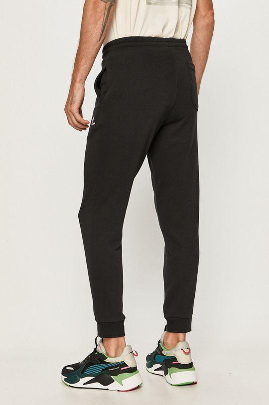 Converse - Pantaloni  Materialul de baza: 80% Bumbac, 20% Poliester  Captuseala buzunarului: 100% Bumbac