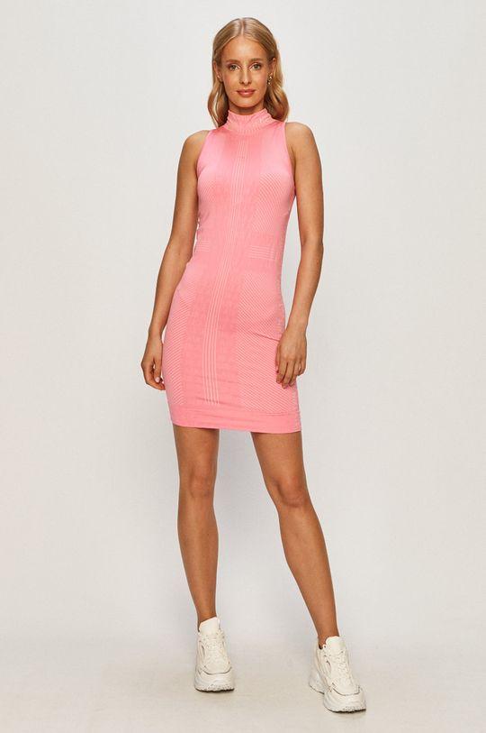 Nike Sportswear - Sukienka ostry różowy