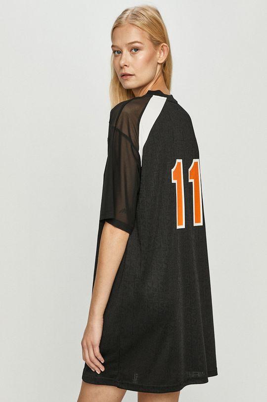 Fila - Šaty  Hlavní materiál: 100% Polyester Ozdobné prvky: 8% Elastan, 92% Polyamid Provedení: 100% Polyester