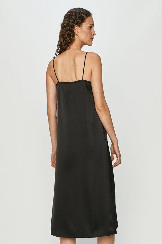 Vero Moda - Šaty  3% Elastan, 61% Recyklovaný polyester, 36% Polyester