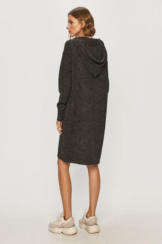 Vero Moda - Šaty  3% Elastan, 3% Nylón, 24% Polyester, 70% Recyklovaný polyester