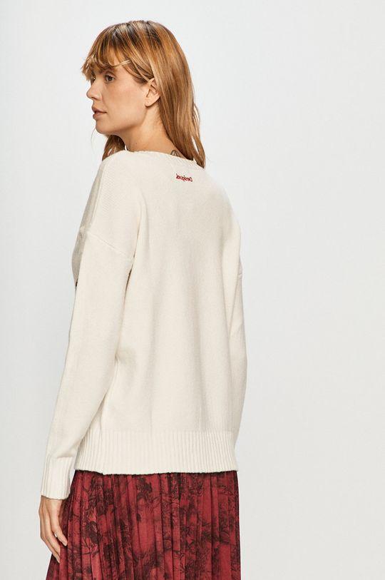 Desigual - Sweter 19 % Poliamid, 30 % Poliester, 51 % Wiskoza, Wskazówki pielęgnacyjne:  prać w pralce w temperaturze 30 stopni, nie suszyć w suszarce bębnowej, suszyć w stanie rozłożonym, nie wybielać, prasować w niskiej temperaturze