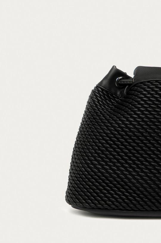 Pepe Jeans - Poseta Sonya  Captuseala: 100% Bumbac Materialul de baza: 100% Poliester  Insertiile: 100% Metal Finisaj: 100% Poliuretan