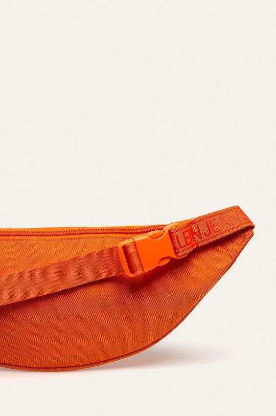 oranžová Calvin Klein Jeans - Ledvinka