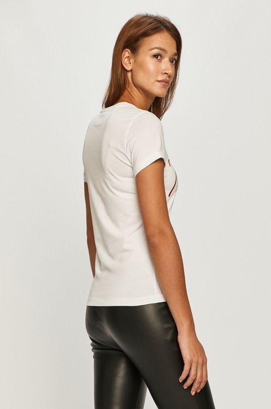 Hugo - Tričko  Hlavní materiál: 100% Bavlna Stahovák: 95% Bavlna, 5% Elastan