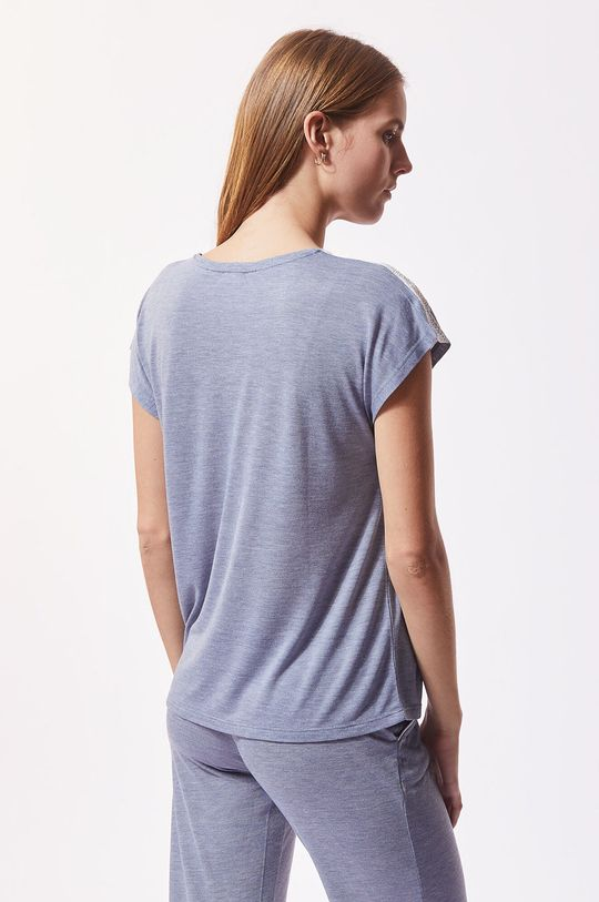 Etam - Pyžamové tričko Warm Day  Hlavní materiál: 50% Polyester, 50% Viskóza Ozdobné prvky: 12% Elastan, 88% Polyamid