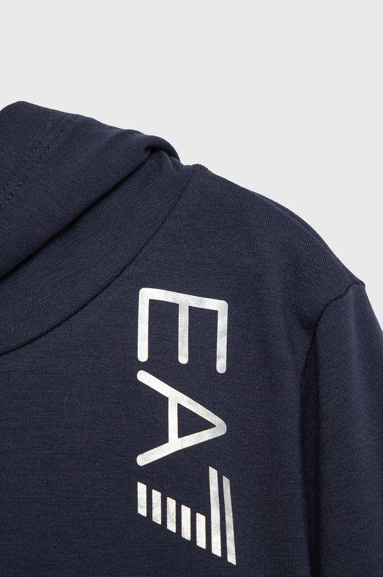 EA7 Emporio Armani - Bluza copii  Materialul de baza: 96% Bumbac, 4% Elastan Captuseala glugii: 100% Bumbac Banda elastica: 97% Bumbac, 3% Elastan