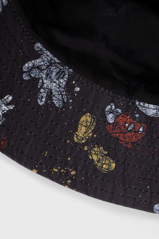 Desigual - Klobouk x Disney  Podšívka: 20% Bavlna, 80% Polyester Hlavní materiál: 100% Polyester Pokyny k praní a údržbě:  nelze sušit v sušičce, nebělit, nežehlit, neprat, Nečistit chemicky