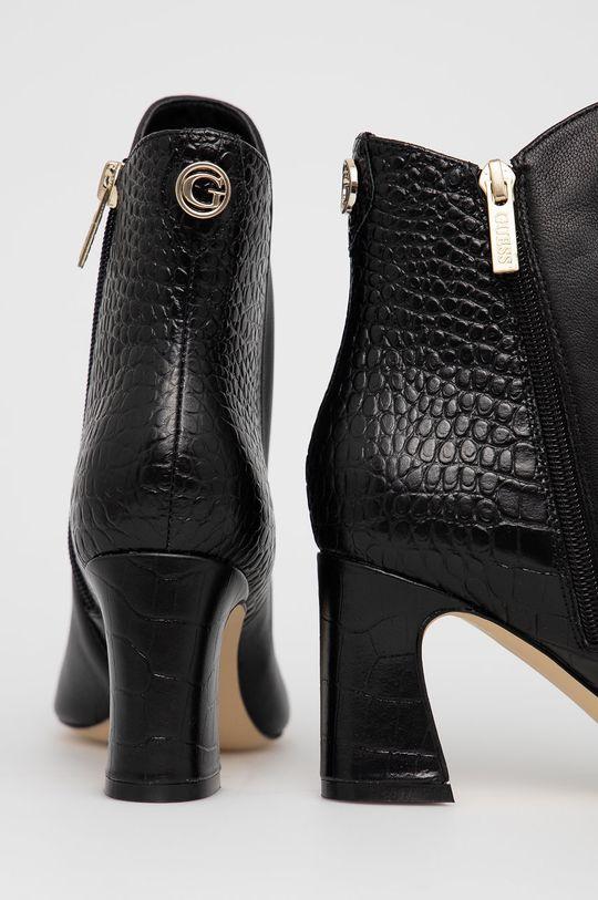 Guess - Kožené kotníkové boty  Svršek: Přírodní kůže Vnitřek: Umělá hmota, Textilní materiál, Přírodní kůže Podrážka: Umělá hmota