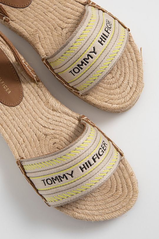 zlatohnedá Tommy Hilfiger - Sandále