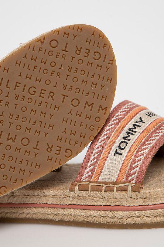 brzoskwiniowy Tommy Hilfiger - Sandały