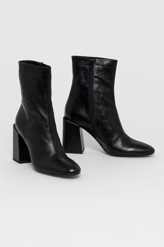 Furla - Kožené členkové topánky čierna