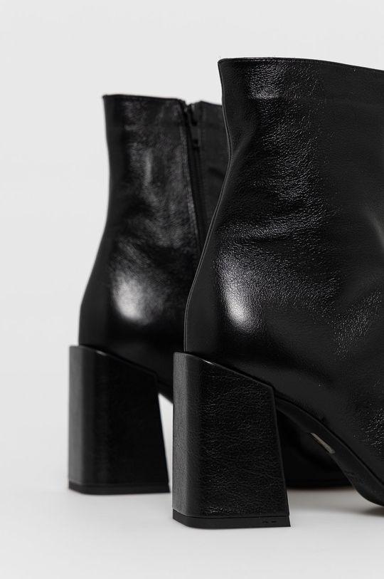 Furla - Kožené členkové topánky  Zvršok: Prírodná koža Vnútro: Textil, Prírodná koža Podrážka: Syntetická látka