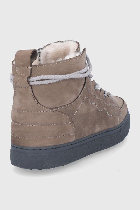 Inuikii - Σουέτ παπούτσια  Πάνω μέρος: Δέρμα σαμουά Εσωτερικό: Μαλλί Σόλα: Συνθετικό ύφασμα