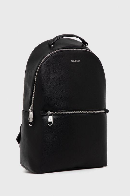 Calvin Klein - Plecak Materiał zasadniczy: 25 % Poliester, 51 % Poliwinyl, 2 % Inny materiał, 22 % Termoplastyczny poliuretan
