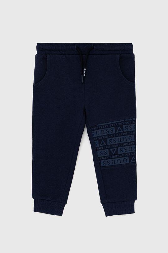 námořnická modř Guess - Dětské kalhoty Chlapecký