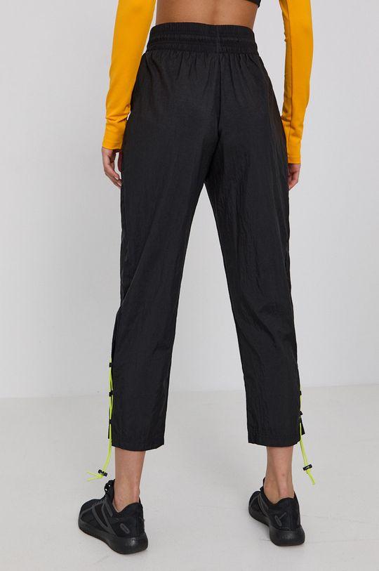 Reebok - Kalhoty  Podšívka: 100% Polyester Hlavní materiál: 100% Polyamid