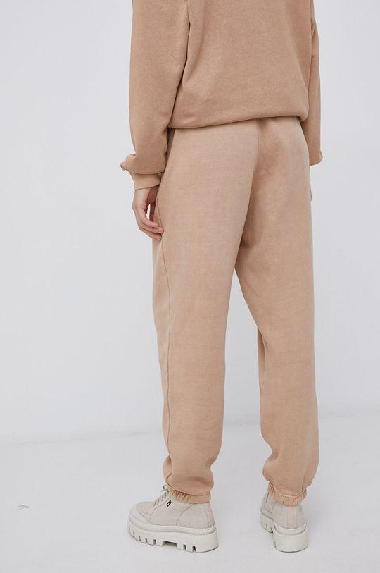 Reebok Classic - Kalhoty  Podšívka: 100% Organická bavlna Hlavní materiál: 80% Organická bavlna, 20% Recyklovaný polyester