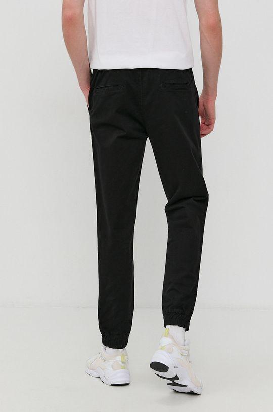 Champion - Pantaloni  Materialul de baza: 97% Bumbac, 3% Elastan Captuseala buzunarului: 20% Bumbac, 80% Poliester
