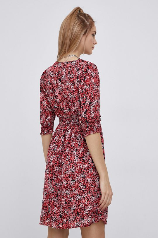 Vero Moda - Šaty  Podšívka: 100% Polyester Hlavní materiál: 100% Recyklovaný polyester